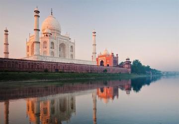 India_Taj_Mahal-City_Travel_wallpaper_1366x768.jpg